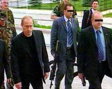 """Первая """"пристрелка"""" состоялась<br /> <br /> Путин и Меркель обменялись любезностям"""