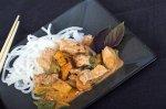 Рецепт рисовой лапши со свининой и карри