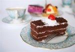 Рецепт шоколадно-малиновых замороженных пирожных