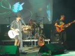 В Ростове прошел концерт группы Ночные снайперы, Арбенину засыпали бумажными самолетиками и шарами