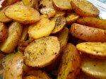 Рецепт жареного молодого картофеля с чесноком и зеленью