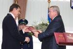 Губернатор Василий Голубев поздравил Владимира Киргинцева со вступлением в должность мэра города