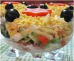 Рецепт слоеного салата с тунцом и сыром