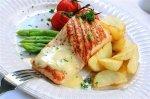 Новогодний рецепт: Филе лосося с голландским соусом