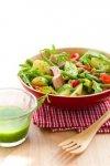 Новогодний рецепт: Салат с копченой скумбрией и молодой кортошкой