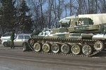 В Новочеркасске танк Т-80 помогает чистить дороги