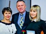 слева Галина Сушкова, в центре начальник отдела специального образования Серов Петр Николаевич и справа Свинарева Александра