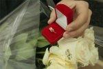 В Батайске два друга сделали своим девушкам предложение оригинальным способом