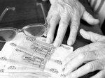 Пенсии в 2013 году будут повышены дважды