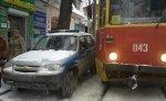 Полицейская машина парализовала движение общественного транспорта в центре Ростова