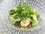 Рецепт салата из копченого цыпленка с соусом сациви
