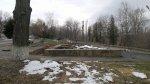 Старый памятник «Девушка-весна» сломан