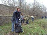 Сотрудники центра социального обслуживания Белокалитвинского района вышли на традиционный субботник