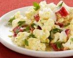 Рцепт салата из цветной капусты с перцем и маслинами