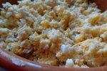 Рецепт куриного салата с яйцами и сыром