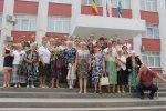 Ключи от новых квартир вручила ветеранам глава администрации района Ольга Мельникова
