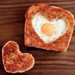 Рецепт: Яичница по‑французски в хлебе