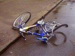 В Кропоткине Краснодарского края сотрудник ДПС на мотоцикле,  столкнулся с 8 летним мальчиком на велосипеде