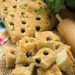 Рецепт: Фокачча с оливками и розмарином