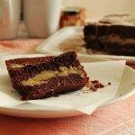Рецепт: Шоколадный кекс с банановой прослойкой