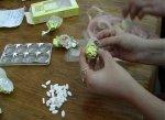 В Темрюкском районе местный житель хотел передать своему другу в ИВС конфеты с наркотиком