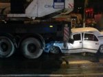 В Волгограде лишенный прав водитель въехал в автокран