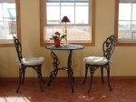 Столы и стулья: их важная роль в жизни человека