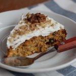 Рецепт: полезный морковный пирог с бананами и специями
