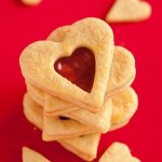Рецепт: песочное печенье с клубничным конфитюром