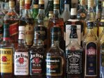 Курсант Волгоградской академии МВД  с двумя приятелями продавал левый алкоголь