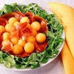 Рецепт: итальянский салат с дыней