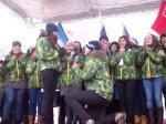 В Ростове во время эстафеты олимпийского огня волонтер сделал предложение любимой