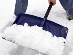 В Волгограде чиновники  приняли участие в уборке снега