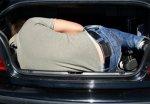 Cотрудникам ДПС пршлось доставать нетрезвого водителя из багажника