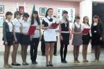 Общешкольная линейка прошла в школе № 1 ко Дню освобождения Белой Калитвы