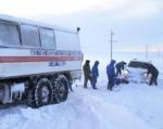 На дорогах Ростовской области продолжают извлекать технику из снежных заносов