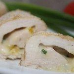 Рецепт: куриные рулетики с сырной начинкой