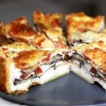 Рецепт: пирог с баклажанами, базиликом и моцареллой