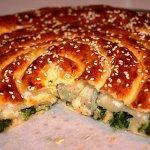 Рецепт: пирог-улитка со шпинатом и рикоттой