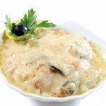 Рецепт: морской жюльен из креветок и мидий