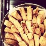 Рецепт: пикантные сырные палочки