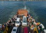 На переправе в Крым люди ждут своей очереди по 20 часов