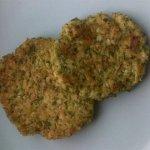 Рецепт: котлетки из брокколи и цветной капусты
