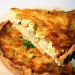 Рецепт: луковый пирог с грюйером