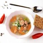 Рецепт: рыбный суп с грибами и сыром