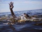 На трассе Усть-Донецк — Семикаракорск водитель из Краснодарского края, улетел в реку погиб человек