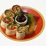 Рецепт: роллы с тунцом, шпинатом и морковью