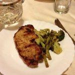 Рецепт: маринованный стейк из свинины со спаржей