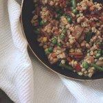 Рецепт: перловка с лесными грибами и овощами