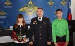 Волгоградские школьники принесли в полицию найденную на улице полуторагодовалую девочку
